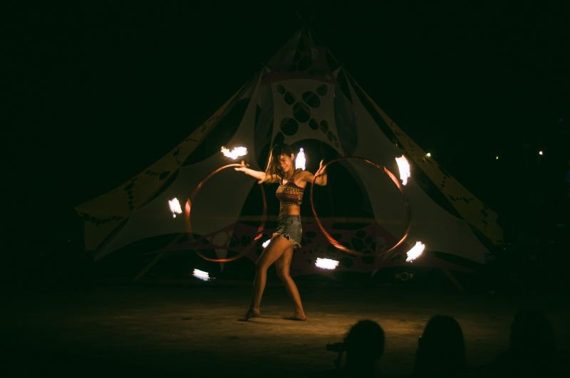 En (Taiwan) used double hoops for her open stage performance (Photo by Mike Alegado)