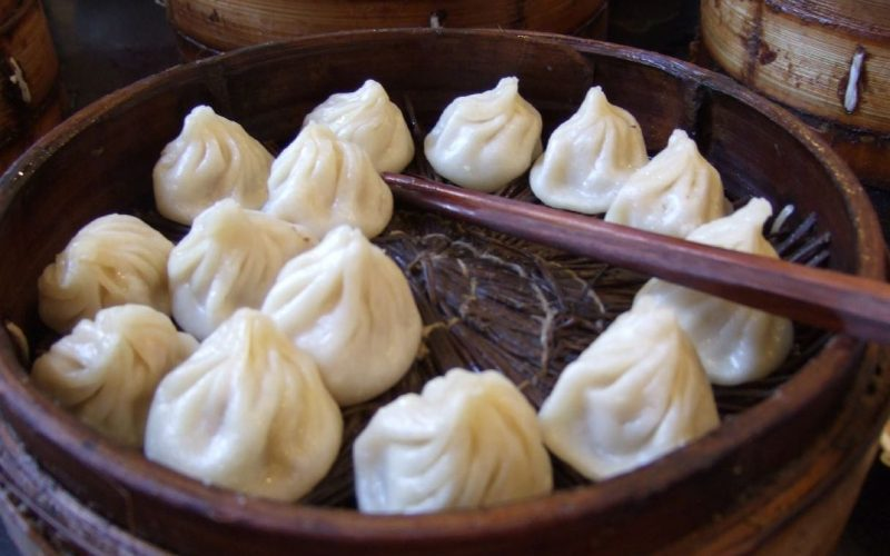 Xiao_Long_Bao_at_Nanxiang_Mantou_Dian_1
